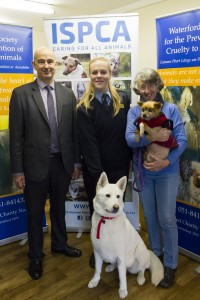 Alice Lacey, pictured with ISPCA CEO Dr Andrew Kelly, WSPCA Chair Barbara Bent, along with Mika and Hector.