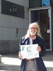 Stan Philips pictured at the eir headquarters in Dublin with his award for being shortlisted in the 'Hobbies on the Net' category of the Silver Surfer Awards with Age Action.