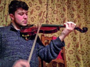 Fellow Deise finalist Macdara Ó Faoláin of An Rinn began playing the fiddle aged six.