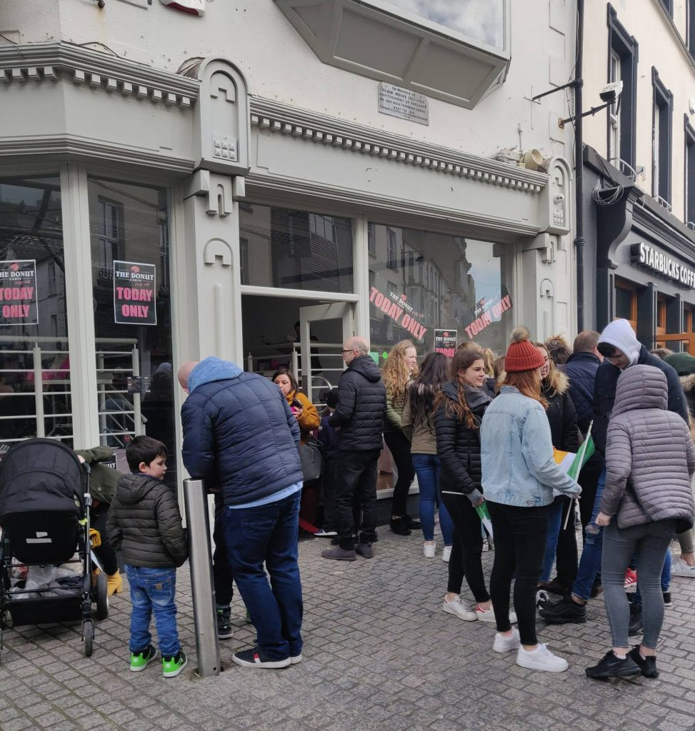 Queues lining up at The Donut Cabin's pop-up shop at George's Street/John Roberts Square on Saint Patrick's Day.				| Photos: The Donut Cabin/Facebook