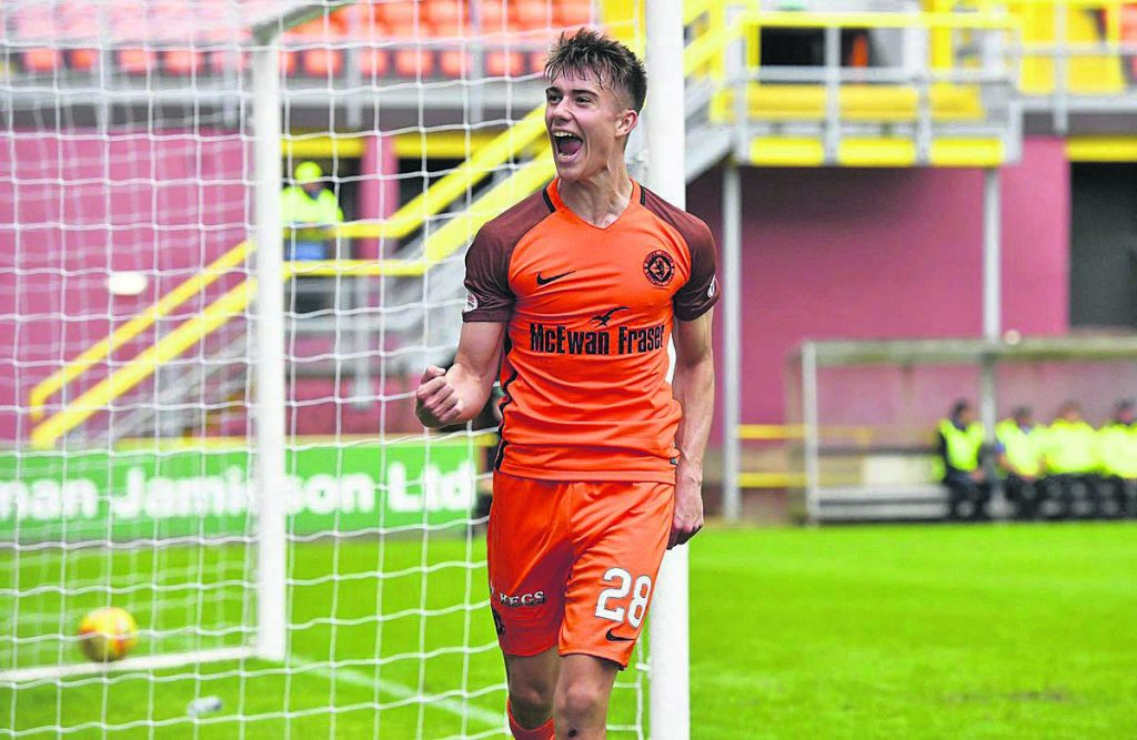 Matty Smith has signed for the Blues from Dundee United.