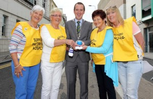 Noeline Power, Marie Cummins, Mayor John Cummins, Nell and Sinead Guiry pictured at the Waterford Hospice Ball Run on Patrick's Street, Waterford in 2015.